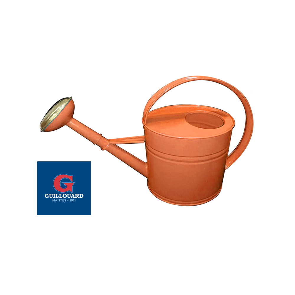 A new Guillouard coral watering can